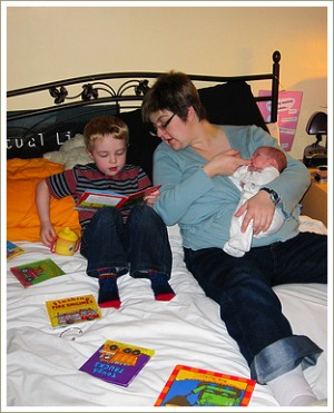 mum reading to children